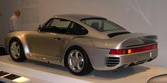 Porsche 959 at the Boston Museum of Fine Arts in 2005