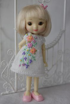"""""""My Favorite Garden"""", an OOAK Amelia Thimble knit dress with embroidery by Cindy Rice Designs."""