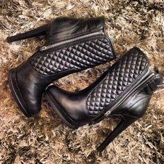 In love! #zara #boots  Encontrei essa botinha linda na Zara! Ameeeei, vou usar muito agora no Outono/Inverno❤️ - @Camila Coelho- #webstagram