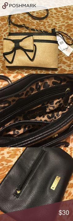 Jessica Simpson crossbody bag Super Chic crossbody bag with a bow accent. Jessica Simpson Bags Crossbody Bags