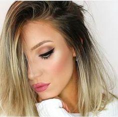 winged eyeliner + pink lips