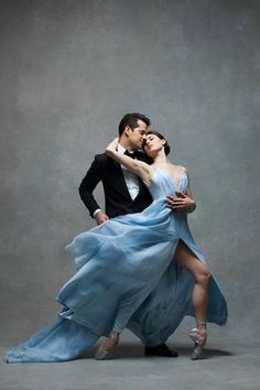 NYC Dance Project - Fabulous dance photography to share today from Photographers: Deborah Ory and Ken Browar, simply stunning. * NYC DANCE PROJECT * NYC Dance Project was crea Modern Dance, Contemporary Dance, Shall We Dance, Just Dance, Dance Project, Ballerina Project, Dance World, City Ballet, Dance Movement