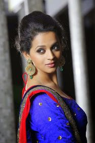 only cute actresses: Bhavana For the Grihalakshmi shoot in blue dress Bhavana Menon, Bhavana Actress, Popular Videos, South Indian Actress, Beauty Queens, Indian Girls, Hottest Photos, Indian Beauty, Indian Actresses