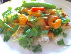 Geen groene, geen rode maar een gele curry. Met garnalen, hmmm.