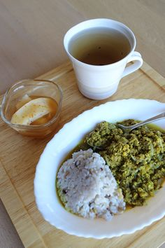 lunch on Wed. 11 Feb. 2015: leftover beef yogurt curry with rice added 10 kinds of grains, pickled Daikon by kaki, toasted Bancha tea