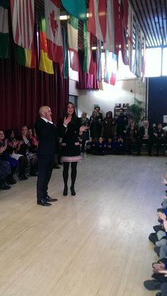 "twitter-mirror: mirror: The Duchess of Cambridge opened the Clore Art Room at Barlby Primary School, London, January 15, 2015; here she claps along as the children sing ""Lean on Me""."
