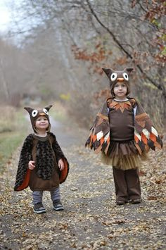 Check out this round up of 25 adorable DIY Halloween Costumes for kids. So many cute and creative ideas for Halloween. Funny Toddler Halloween Costumes, Animal Costumes For Kids, Easy Homemade Halloween Costumes, Kids Costumes Boys, Diy Halloween Costumes For Kids, Toddler Costumes, Owl Costume Kids, Infant Halloween, Halloween Halloween
