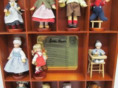MES-41182 Käthe Kruse 11 St. Miniaturpuppen Jahrhundertedition mit Display   eBay
