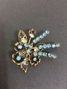 Hey, I found this really awesome Etsy listing at https://www.etsy.com/uk/listing/491876946/vintage-brooch-pin-floral-enamel-and