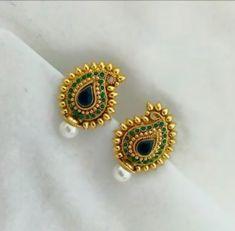 New Light Weight Daily Wear Gold Earrings Designs - Kurti Blouse Gold Earrings Designs, Gold Jewellery Design, Ear Jewelry, Jewelery, Jewelry Accessories, The Bling Ring, Gold Jewelry Simple, Jewelry Patterns, Wedding Jewelry