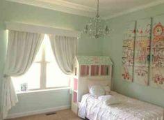 décoration de chambre fille en bleu pâle