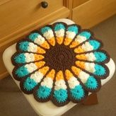 【送料無料】レトロでカラフルなお花円座 Crochet Pillow, Knit Crochet, Crocheting, The Creator, Blanket, Pillows, Rugs, Knitting, Decor