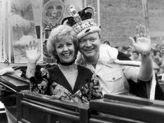King and Queen of Moomba. Bert and Pattie Melbourne Victoria, Victoria Australia, My Childhood Memories, Back In The Day, Old Photos, Famous People, Movie Tv, 1960s, History