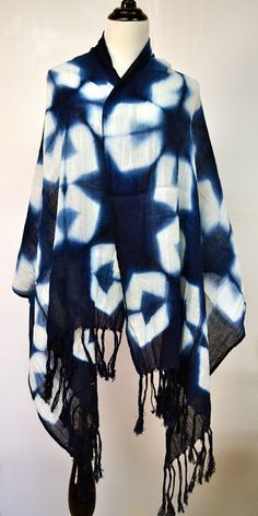 Shibori Shawl hand made and hand dyed using Organic Indigo Shibori Fabric, Shibori Tie Dye, Fabric Yarn, How To Dye Fabric, Diy Tie Dye Techniques, Bleach Shirts, Blue And White Fabric, Japanese Textiles, Indigo Dye