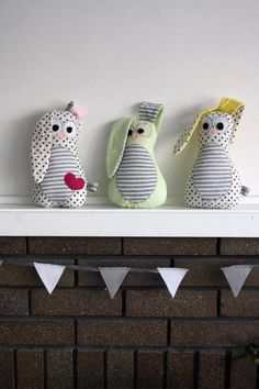Peek-a-boo Bunny Sewing Pattern PDF... Super cute idea for an Easter basket one day