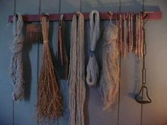 Perfect ideas for a prim peg rack