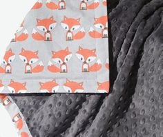 Little Fox Baby Blanket with dark grey minky - Gender Neutral - Simply Boco Exclusive Design - Ready to Ship on Etsy Baby Boys, Our Baby, Quilt Baby, Diy Pour Enfants, Fox Nursery, Everything Baby, Soft Blankets, Baby Boy Nurseries, Baby Sewing