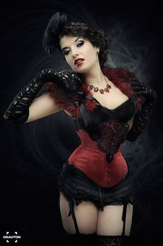 """Moulin Rouge"" by la-esmeralda. Corset by Royal Black Couture & Corsetry (via Deviant Art)"