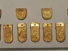 File:Belt buckle and lappet fittings, view 5, Iran, Sasanian period, 7th century AD, silver and gilt (buckle) and gold - Arthur M. Sackler Gallery - DSC05839.JPG