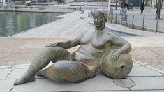 Gudinna i Lena Lerviks skulpturgrupp.
