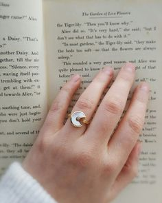 Amulette de Cartier engagement ring. Mother of Pearl with a brilliant cut diamond. Unlock wishes, hold in luck.