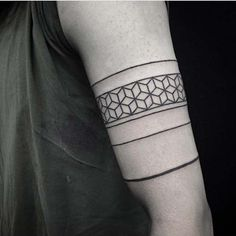 upper arm armband tattoo üst kol bandı dövmesi