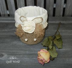 Ulla's Quilt World: Crocheted jar cover, roses and beads - Ulla's Quilt World
