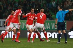 With a very poor game by Benfica, the result in the derby against Sporting was 1-1. The goal of Sporting was scored by Jefferson while Benfica tied the game with a goal by Jardel, in the minute 90+3. To highlight the excellent exibition of Artur.