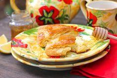 Tea Time: Lemon-Honey Cream Scones | A Red Binder