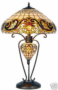 Tafellamp Tiffany ø cm / Geel Stained Glass Chandelier, Stained Glass Light, Tiffany Stained Glass, Leaded Glass, Tiffany Chandelier, Tiffany Table Lamps, Chandelier For Sale, Louis Comfort Tiffany, Antique Lamps