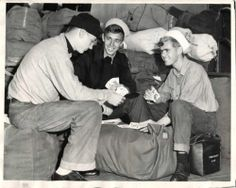 WWII Survivors of US Carrier Saint Lo Play Cards Aboard Transpot ORG Press Photo | eBay