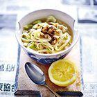 Bami koah (bamisoep) - recept - okoko recepten Asian Recipes, Healthy Recipes, Ethnic Recipes, Healthy Food, Asian Kitchen, Good Food, Yummy Food, Indonesian Food, Indonesian Recipes