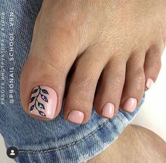 Make an original manicure for Valentine's Day - My Nails Pretty Toe Nails, Cute Toe Nails, Pretty Toes, Gel Toe Nails, Pedicure Designs, Manicure E Pedicure, Jamberry Pedicure, Pedicure Ideas, Toe Nail Color