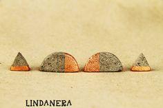HALFMOON AND TRIANGLE CONCRETE EARRINGS  Orecchini triangolari e mezzaluna  in cemento  by LINDANERA