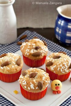 How to enjoy all the flavours of a traditional Italian Easter cake in a muffin form: Colomba Muffins!