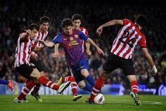 Messi final Copa del Rey: Messi se deshace de los defensores del Athletic.