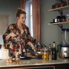 Fashion Tv, Fasion, Tv Show Outfits, Jodie Comer, Eve Online, Gay, Kitchen Utensils, Celebrities, Style Icons