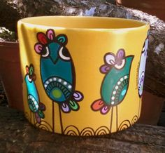 Discover thousands of images about Flower pot designs Flower Pot Art, Flower Pot Design, Flower Pot Crafts, Flower Bowl, Clay Pot Crafts, Pottery Painting, Ceramic Painting, Painting On Wood, Ceramic Art