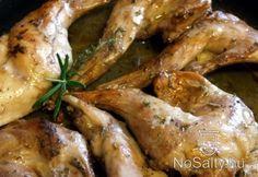 Párolt-sült nyúl rozmaringgal és kakukkfűvel Chicken Wings, Shrimp, Cooking, Recipes, Food, Kids, Gourmet, Kitchen, Young Children