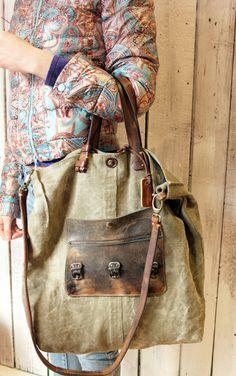 Bang Bag 1, April 2015 www.lasellerie.net