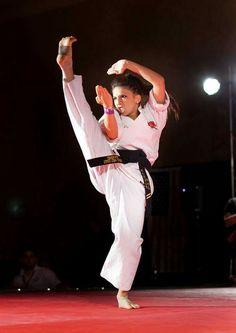 Martial Arts Clothing, Martial Arts Women, Art Clothing, Tang Soo Do, Anatomy Poses, Karate Girl, Martial Artist, Art Poses, Action Poses