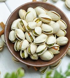 Technically fruits, pistachios contain healthy fats, fiber, protein, and antioxidants. Read on to know all the benefits of pistachio nuts for your health. Pistachio Health Benefits, Matcha Benefits, Lemon Benefits, Benefits Of Coconut Oil, Fruit Benefits, Tomato Nutrition, Calendula Benefits, Stomach Ulcers, Stop Eating