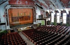 It's a pity to see in this list of the creepiest  places on earth also a beatiful theatre. Now the Detroit's Michigan Theater is a parking lot.