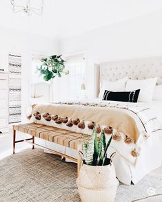 35 Amazingly Pretty Shabby Chic Bedroom Design and Decor Ideas - The Trending House Boho Chic Bedroom, Modern Bedroom, Natural Bedroom, Contemporary Bedroom, Home Bedroom, Bedroom Furniture, Bedroom Ideas, Bedroom Designs, Master Bedrooms