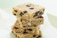 These+crunchy+muesli+bars+are+packed+with+energy+and+nutrients+to+keep+you+alert+through+out+the+day.