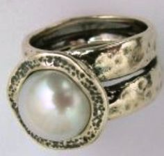 Pearl on silver ring