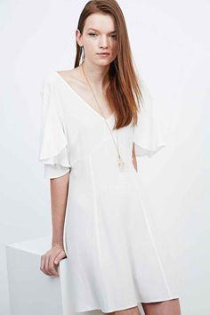 Kimchi Blue Flutter Sleeve Tie Back Dress in White