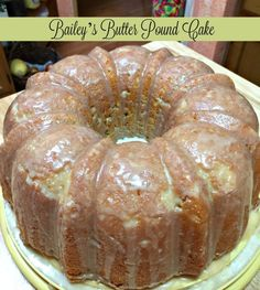 Bailey's Butter Pound Cake A moist and rich bundt cake flavored with Bailey's and butter for St Patrick's Day. Don't preheat the oven! Pound Cake Glaze, Butter Pound Cake, Glaze For Cake, Almond Pound Cakes, Pound Cake Icing, Buttermilk Pound Cake, Brownie Desserts, Just Desserts, Dessert Recipes