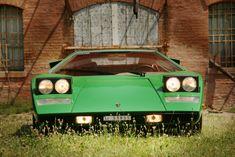 Lamborghini Countach - LGMSports.com