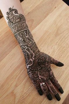 girls fancy mehndi for hands